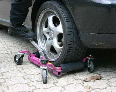 Repossession Service GoJack in use